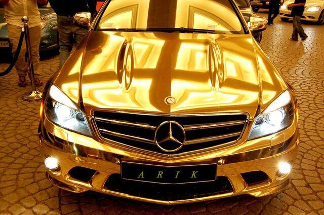 File:The-gold-mercedes8.jpg
