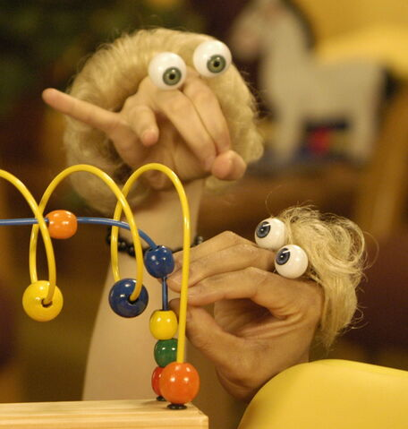 File:Oobi Chauncy and Mother - Noggin Nick Jr Hand Puppet Characters.jpg