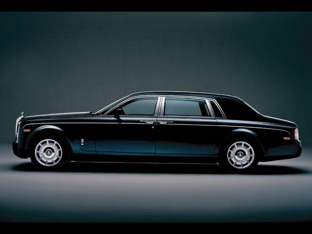 File:2005-Rolls-Royce-Phantom-Extended-Wheelbase-S-1024x768.jpg