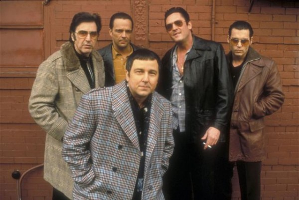 File:Gangster-movies-donnie-brasco.jpg