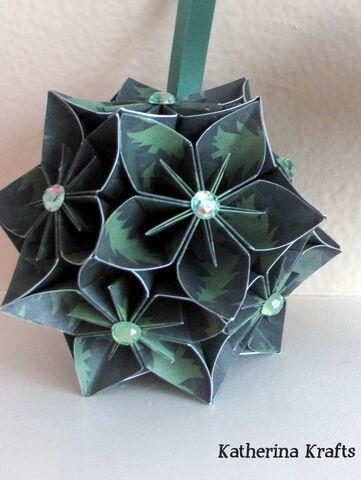 File:Flower Green Kusudama Ball 03.jpg