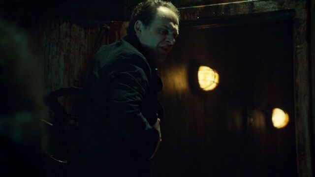 File:OrphanBlackS01E090440.jpg