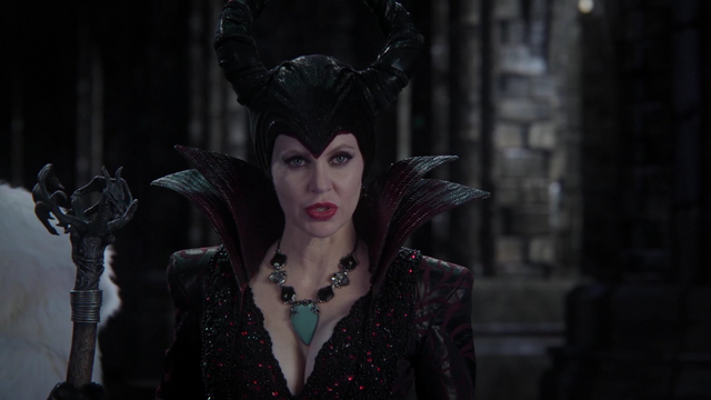File:MaleficentSeesRumple4x12.png