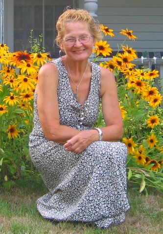File:Me Aug 6-2012 out front (cropped.jpg