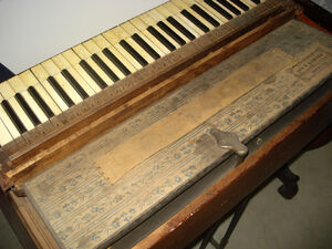 Melodian bellows keys