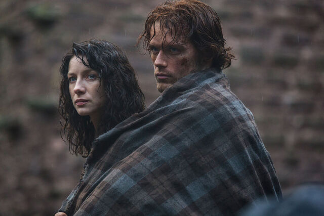 File:S01E01-Caitriona Balfe as Claire Randall and Sam Heughan as Jamie Fraser.jpg