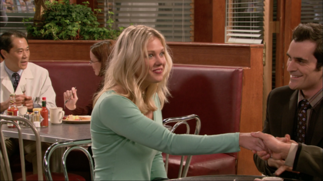 File:1x01Staci.png