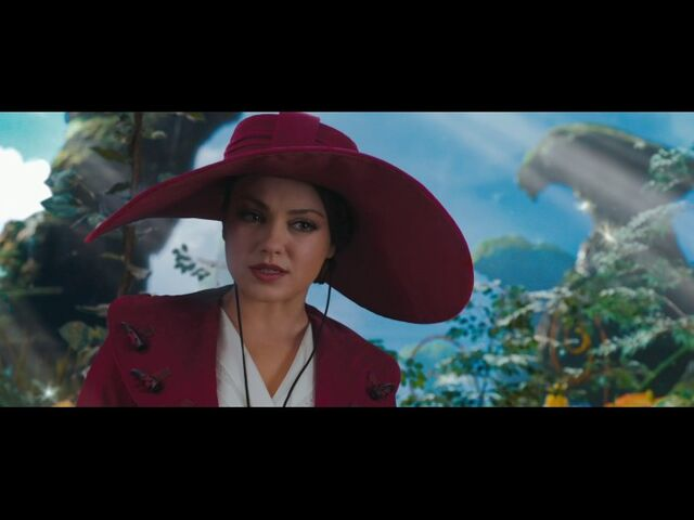 File:Mila-kunis-as-theodora-in-oz-the-great-and.jpg