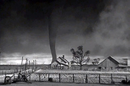 File:Wizard-of-Oz-tornado.jpg