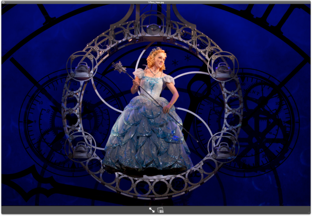 File:Tiffany Glinda.png