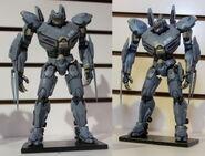 Toy striker statue-h5