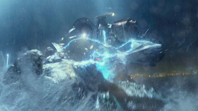 File:Gipsy danger fighting a leatherback.jpg