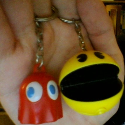 File:Pac-Man and Ghost keychains Paladone.jpg