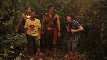 Pair of Kings S01E01 Return of the Kings Part 1 (HD) 0440