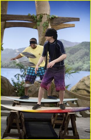 File:Mitchel-musso-doc-shaw-blindfold-03.jpg