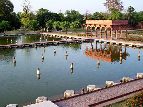 File:Pakistan Lahore Mughul Building 002.jpg