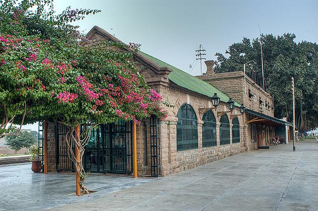 File:Pakistan Islamabad Station 001.jpg