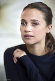 Alicia Vikander (1)