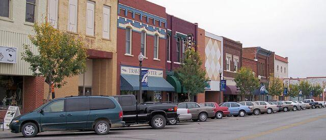 File:Atchison Kansas Commercial Street.jpg