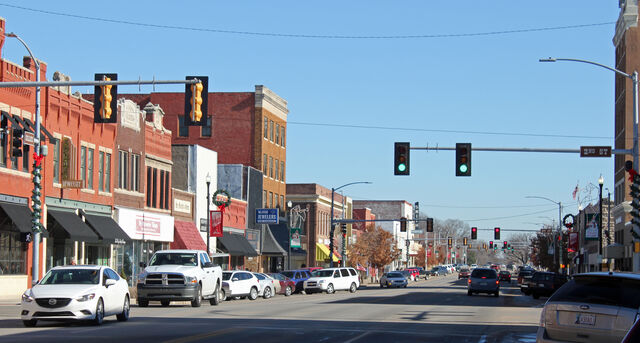 File:Downtown Ponca City Historic District.jpg