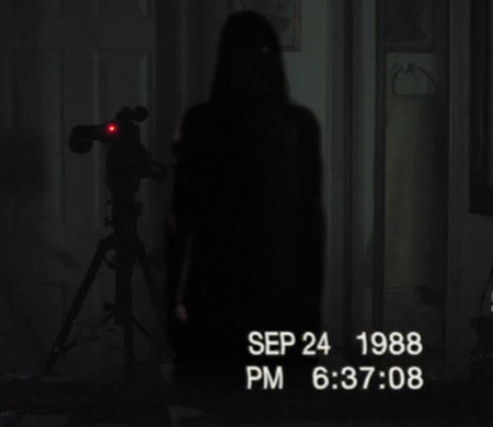 File:Paranormal-Activity-3-Trailer-Film-07212011-01.jpg