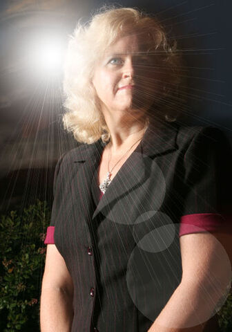 File:Bonnie Vent Headshot with light rays.jpg