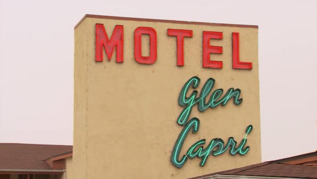 File:Motel Glen Capri.png