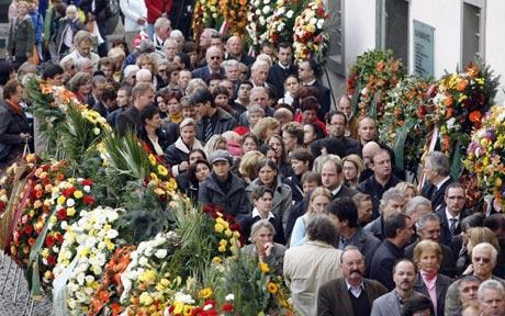 File:Vittoria Funeral.jpg
