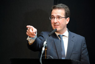 Owen Smith pointing