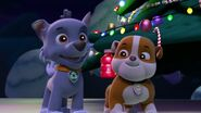 PAW.Patrol.S01E16.Pups.Save.Christmas.720p.WEBRip.x264.AAC 1305437