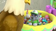 PAW.Patrol.S01E21.Pups.Save.the.Easter.Egg.Hunt.720p.WEBRip.x264.AAC 1021888