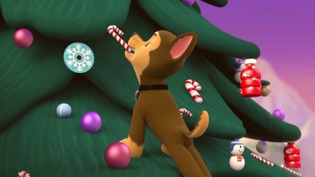 File:PAW.Patrol.S01E16.Pups.Save.Christmas.720p.WEBRip.x264.AAC 106373.jpg