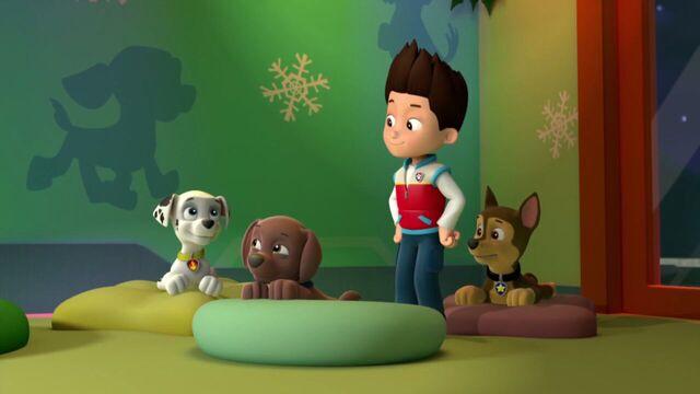File:PAW.Patrol.S01E16.Pups.Save.Christmas.720p.WEBRip.x264.AAC 282716.jpg