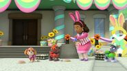 PAW.Patrol.S01E21.Pups.Save.the.Easter.Egg.Hunt.720p.WEBRip.x264.AAC 495228
