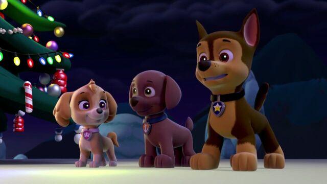 File:PAW.Patrol.S01E16.Pups.Save.Christmas.720p.WEBRip.x264.AAC 1304403.jpg