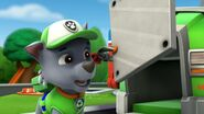 PAW.Patrol.S01E15.Pups.Make.a.Splash.-.Pups.Fall.Festival.720p.WEBRip.x264.AAC 540473