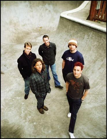 File:Pearl-Jam-w10.jpg
