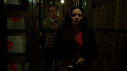 1x12 - Chris leads Andrea