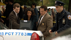 1x07 - Bill Carter Fusco watch.png