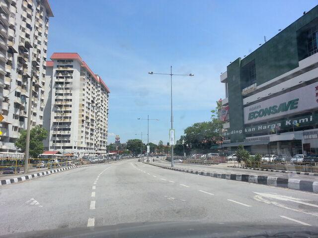 File:Econsave, Paya Terubong, George Town, Penang.jpg