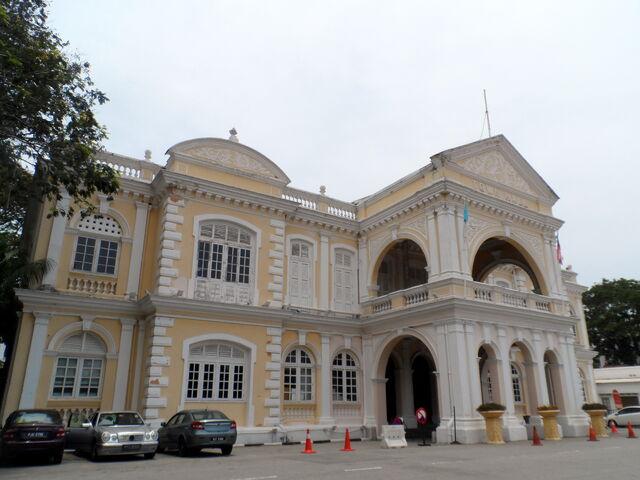 File:Penang Town Hall, George Town, Penang.JPG
