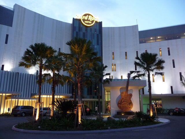 File:Hard Rock Hotel Penang, Batu Ferringhi.jpg