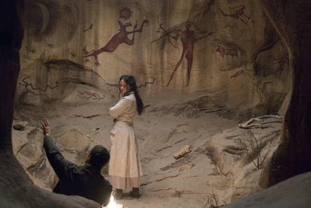 File:Hecate-and-ethan-apache-cave-ep05.jpg