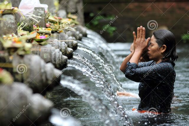File:Devotee-going-hindu-ritual-bathing-religious-bathing-pool-located-puru-tirtha-empul-temple-bali-indonesia-29751797.jpg