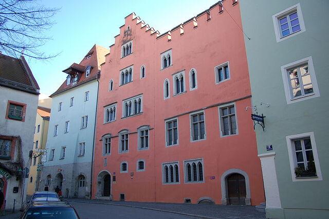 File:Runtingerhaus in Regensburg.jpg