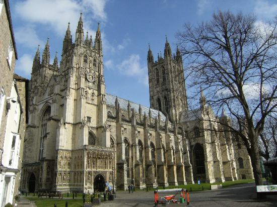 File:Canterbury Cathedral - Portal Nave Cross-spire.jpg