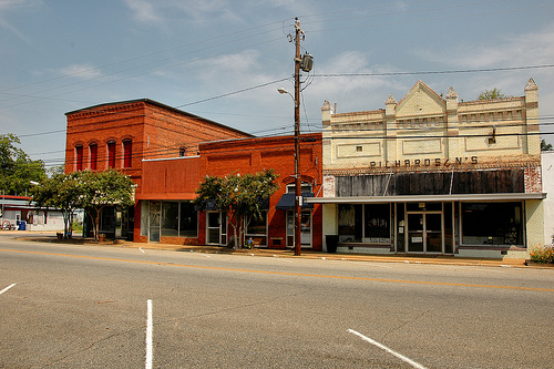 Lumpkin-ga-downtown-street-scene-courthouse-square-richardsons-early-20th-century-commercial-architecture-pictures-photo-copyright-brian-brown-photographer-vanishing-south-georgia-usa-20
