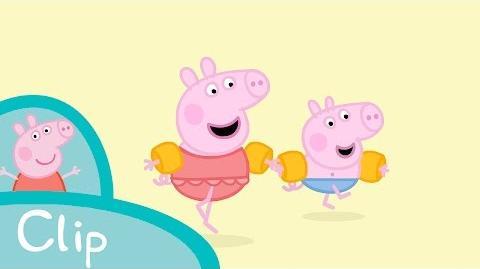 Peppa Pig - At the beach (clip)