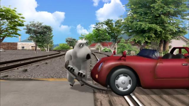 File:Bernard Railroad Crossing (The Car) 07.png
