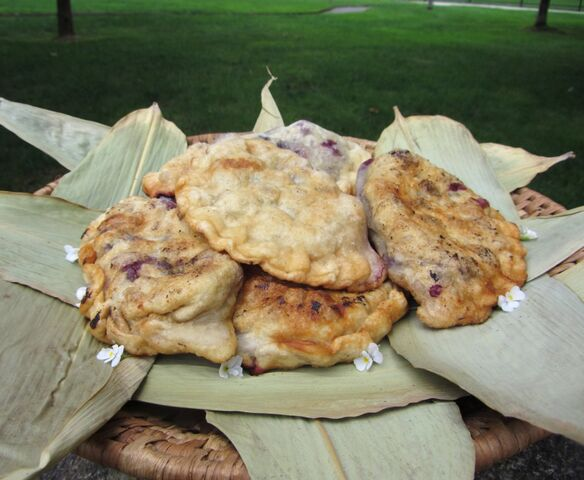 File:Bubbly pies fried.jpg